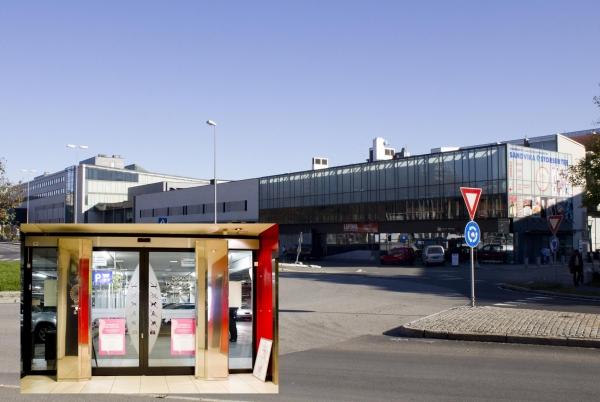 Sandvika Storsenter. Nordens største kjøpesenter. 8 stk. Venesse luftporter i rustfritt stål